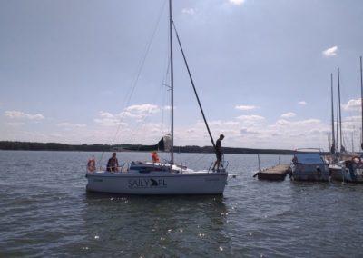 Kurs żeglarski zalew Sulejowski manewr wejscia do portu