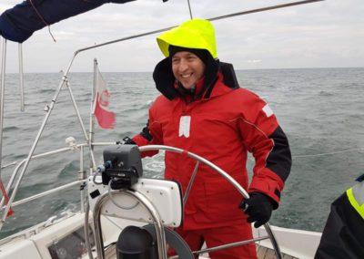 Szkoła żeglarstwa-jachtowy sternik morski-manewry na żagach