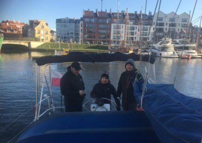 Szkoła żeglarstwa-jachtowy sternik morski-manewry na silniku