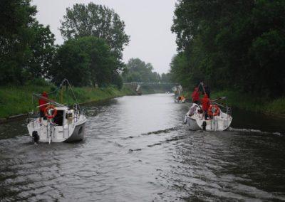 Szkoła żeglarstwa-rejs po Mazurach-w kanałach