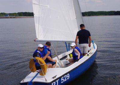 Szkoła żeglastwa-szkolenie żeglarskie-odejście od nabrzerza