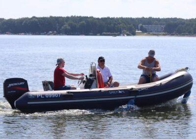 Szkoła żeglarstwa i sportów motorowodnych Szkolenie motorowodne4 — kopia